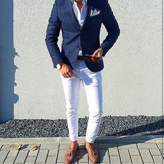 white pants, white shirt, blue blazer, brown shoes and belt men style outfit Big Men Fashion, Mens Fashion Blog, Mens Fashion Suits, Mens Suits, Men's Fashion, Fashion Check, Suit Men, Fashion Sale, Fashion Outlet