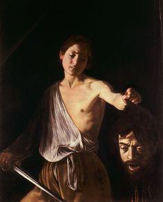 Le Caravage Tableau montrant un jeune homme tenant une épée d'une main et de l'autre la tête coupée d'un géant.