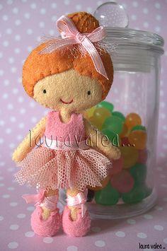 doll, house, dollhouse, girl, ballerina, dancer, plush, felt, fabric, toy, sew