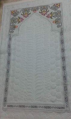 İsim: jmmmll , f, . Islamic Decor, Kurti Designs Party Wear, Prayer Rug, Bargello, Handicraft, Cross Stitch Patterns, Diy And Crafts, Sewing Projects, Prayers