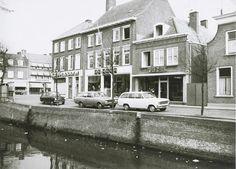 Zuidhaven 65 de Algemen Bank Nederland, 67 de manufakturenhandel van A. de Heer en 69 de schoenenwinkel van P. Fens 1969