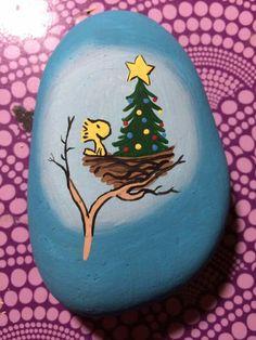 Christmas Painted Rocks Ideas 28