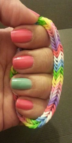 Rainbow loom band