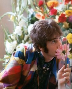 John Lennon....BEAUTIFUL PICTURE OF JOHN