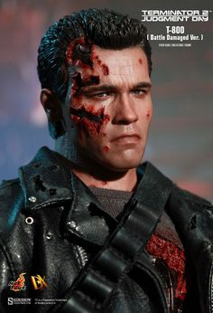 Hot Toys : Terminator 2: Judgment Day - T-800 (Battle Damaged Version) 1/6th scale Collectible Figure