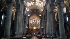 La Catedral de San Pedro de Jaca en Huesca, es una de las construcciones más características y antiguas del románico en España. Comenzó a construirse casi al tiempo que la de Santiago de Compostela en el último cuarto del siglo XI como sede episcopal y cabeza del Reino de Aragón por iniciativa del rey Sancho Ramírez