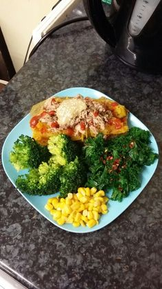 Perfect post workout meal dinner after work ❤ Boiled sweet potato topped with tuna, tsp of light tahini (plus a little sprinkle of sesame seeds on top), siracha sauce and some dry basil; steamed kale topped with chilli flakes; steamed + blanched broccoli; and a few tbsp of sweetcorn. All topped off with fresh lemon juice, little sea salt, and black pepper. This was so quick to make and absolutely filling. ❤ #cleaneating #healthy #recipe #cleanfood #eatclean #food