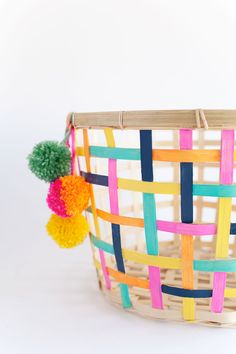This DIY painted basket is so easy and can add so much color to any room in your house. Check out this simple IKEA hack. Ikea Hacks, Ikea Organization Hacks, Storage Hacks, Storage Ideas, Ikea Handwerksraum, Ikea Basket, Storage Basket, Toy Storage, Hidden Storage