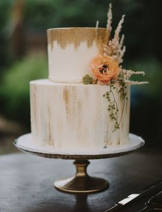 gold wedding cake perfect for a bohemian wedding theme. wedding cake simple Modern Meets Coastal at this Garden Party Wedding in Historic Charleston - Green Wedding Shoes Simple Elegant Wedding, Elegant Wedding Cakes, Wedding Cake Designs, Simple Weddings, Blush Weddings, White Weddings, Rustic Wedding, Wedding Cake Simple, Indian Weddings