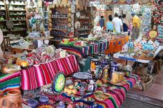 Visit the markets in town for souvenirs or local goodies. Instead of overpaying for things at the airport or in your hotel's gift shop, visiting a local flea market allows you to bargain your way down to a lower place. Market  28 comes highly recommended.