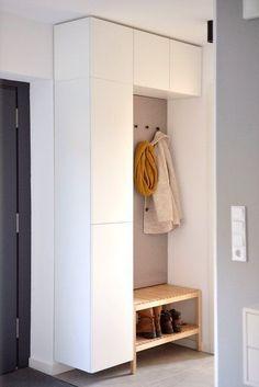 6 practical IKEA hacks for the hallway! - 6 practical IKEA hacks for the hallway! - 6 practical IKEA hacks for the hallway! – 6 practical IKEA hacks for the hallway! Ikea Closet Hack, Closet Hacks, Small Dressing Rooms, Ikea Eket, Ikea Malm, Pastel House, Ikea Storage, Kitchen Storage, Storage Ideas