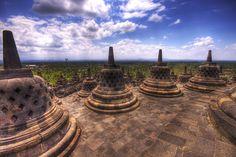 ボロブドゥル寺院遺跡群(Borobudur Temple Compounds)