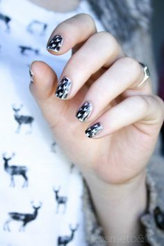 Nail Art Graphique Nude - By Cosmeto And Co