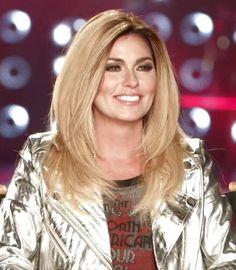 Shania goes blonde June 2015