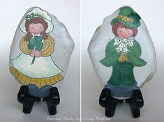Out-of-print design and pattern books will inspire your rock painting projects. Painted Rocks Craft, Hand Painted Rocks, St Paddys Day, Happy St Patricks Day, Religious Icons, Rock Crafts, Pattern Books, Stone Art, Rock Painting