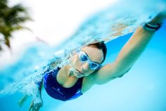 The Mako Swim Goggle is a one piece molded construction, Softeril frame, flat Plexisol lens and easy to adjust buckles. Available in clear and tinted lenses