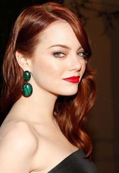 This week on my Celebrity Makeup Files feature is Emma Stone, the stunning natural redhead known for iconic looks on the red carpet. Emma Stone has porcelain skin, gorgeous… Beauty Crush, Cabelo Emma Stone, Emma Stone Red Hair, Emma Stone Makeup, Red Hair Red Lips, Red Hair Color, Red Hair For Cool Skin Tones, Color Red, Amber Color