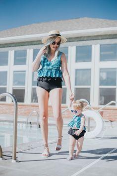 Two-piece girl small bikini kids swimsuit swimwear baby beachwear flower pattern wholesale swimsuits Toddler Swimsuits, Modest Swimsuits, Family Outfits, Mom Outfits, Family Clothes, Cute Kids Fashion, Toddler Fashion, Kids Swimwear, Mommy And Me Swimwear