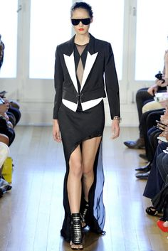 Julien Macdonald Spring 2012 Ready-to-Wear Collection Photos - Vogue