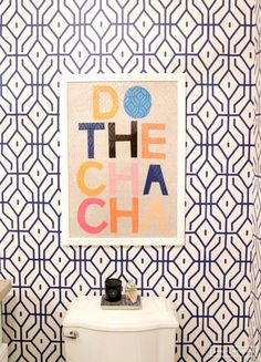 AphroChic: 16 Glamorous Bathrooms With Wallpaper