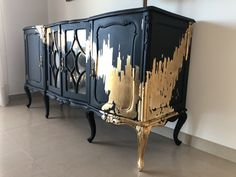Queen Anne Furniture Related posts: 15 Amazing Refurbished Furniture Ideas You Should… 30 Fabulous Furniture Makeover DIY Projects 15 Amazing Refurbished Furniture Ideas That You Should … – # Amazing # Ideas … How To Glaze Furniture Gold Leaf Furniture, Funky Furniture, Refurbished Furniture, Paint Furniture, Upcycled Furniture, Furniture Projects, Furniture Makeover, Home Furniture, Furniture Design