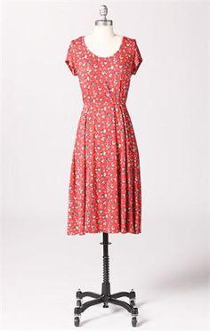 Cute summery dress!  I think I would have to shorten it to be above the knees though (since I'm so short!)