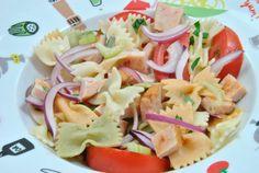 Ensalada de pasta con pavo y albahaca  --> Pasta salad with turkey and basil