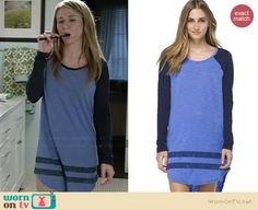 Amy's blue sleep shirt on Faking It.  Outfit Details: http://wornontv.net/37098/ #FakingIt