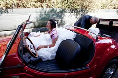 a volte succede... l'auto della sposa che si guasta durante il tragitto verso la chiesa...