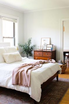 Our Jaws Dropped Over This Affordable Bedroom Makeover - Home Interior Design: - Bedroom Decor Apartment Bedroom Decor, Home Bedroom, Master Bedroom, Modern Bedroom, Bedroom Ideas, Bedroom Designs, Studio Apartment, Contemporary Bedroom, Master Suite