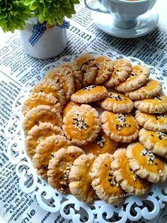 CHUI KAO SO by Vita Lim adalah resep kue kering simple namun masalah rasa silahkan dibuktikan sendiri. Resep kuker enak renyah dan mudah ala langsungenak
