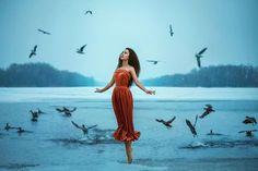 Écouter son âme : Chacun vit sa vie et se croit seul et isolé du monde et de ses semblables, soumis aux aléas d'un destin dont la trame lui échappe.