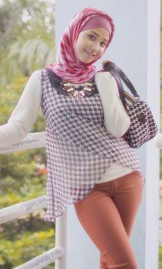 --- just for fun --- numpang lewat......... #jilbabsex #hijabisexy #hijabketat #tudungmulus #hijabersstyle #gadisjilbab #hijabinspiredstyle #jilboobshits #wanitajilbab #tudungimpian #hijaberbohay #hijabmagazine #islamicfashion .......................