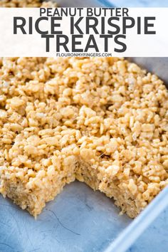 How to make the best no bake peanut butter Rice Krispie treats They re soft and chewy gooey with marshmallows and such an easy recipe to make with kids flouronmyfingers RiceKrispietreats peanutbutter easyrecipes dessertrecipes Rice Recipes For Dinner, Dessert Recipes, Peanut Butter Rice Crispies, Peanutbutter Rice Krispie Treats, Marshmellow Treats, Reis Krispies, Rice Crispy Treats, Peanut Butter Crispy Treats, Best Rice Krispie Treats Recipe