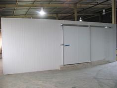We design and build refrigeration systems for cold rooms, freezer rooms and drop temp areas. Floor Insulation, Insulated Panels, African Market, Basic Tools, Room Doors, Door Hinges, Storage Room, Freezer