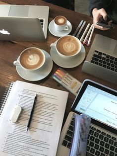 study inspiration by: naomibaldacchino 📚 Coffee Study, Coffee And Books, College Motivation, Study Motivation, Planning School, Study Pictures, Study Organization, Pretty Notes, Study Space