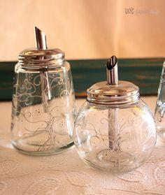 Azucareros pintados a mano. Tú eliges el diseño, los colores, la pieza y los detalles. www.unycglasswaredesign.com  Info: info@unycglasswaredesign.com