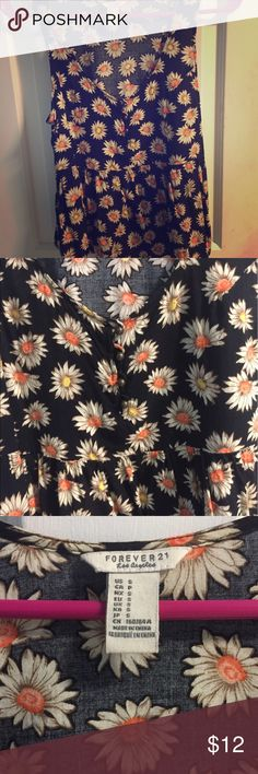 Vintage style sunflower babydoll crop top 🌻 Vintage style babydoll crop top w scoopneck and sunflower print. Size small. Excellent condition. Forever 21 Tops