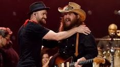 Justin Timberlake has enlisted the help of country powerhouse Chris Stapleton for a song on his new album, Man of the Woods. Country Music News, Country Singers, My Love Justin Timberlake, Top 10 Albums, Chris Stapleton, Ali Larter, Guitar Songs, Music Albums, Greatest Songs