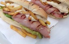Cartoccio Hot Dog Buns, Hot Dogs, Home Burger, Fett, Salsa, Bread, Ethnic Recipes, Dinners, Homemade Beef Burgers