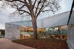 Media library in Bourg-la-Reine by Pascale Guédot Architecte  | METALOCUS