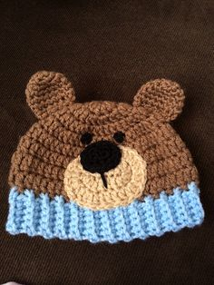 Ravelry: Teddy Bear Hat pattern by Carolina Guzman Ravelry: Teddy Bear Hat pattern by Carolina Guzman by Santa van Tonder, sweet little bear hat ideaFree Crochet Patterns: Free Crochet Pattern - Baby Chick or Baby Bird Hat .This post was discovered b Crochet Bear Hat, Bonnet Crochet, Crochet Teddy Bear Pattern, Crochet Kids Hats, Crochet Cap, Cute Crochet, Crochet Crafts, Crochet Projects, Crochet Patterns