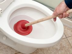 How tо Unclog а Toilet Wіthout а Plunger