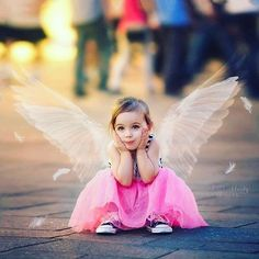 Kids Discover Guardian Angel Number 333 and 444 So Cute Baby, Cute Kids, Cute Babies, Cute Baby Girl Pictures, Baby Girl Images, Beautiful Children, Beautiful Babies, Beautiful Things, Kind Photo