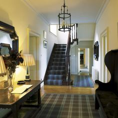 Take a room-by-room tour around beautiful Homes & Gardens readers' homes. This week we look inside a Scottish Highland retreat for stunning decorating inspiration. Be inspired by this tartan home with nods to its Highland location. Contemporary Interior Design, Decor Interior Design, Scottish Decor, Retreat House, Hallway Decorating, Decorating Ideas, Decor Ideas, Highland Homes, Plaid Decor