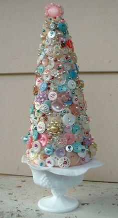diane wants to write : Peek to Some Unique Christmas Trees