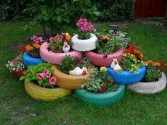 Alte Autoreifen rot streichen und bepflanzen | garden deco ...