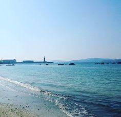 Lecer #vigo #vigomola #galiciamola #galiciacalidade #galicia #galifornia #vexovigovexocangas #totti #paseandoamistertotti #paseo #azul #paraiso #playa #spring #mayo #mare #sonyxperiaz3 #sonyxperia #sol by xulia_merce
