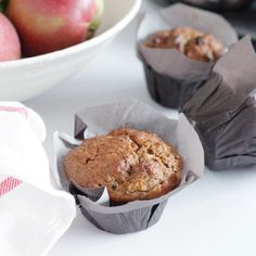These Double Apple Muffins are perfect for fall! I love making a fresh batch on a Sunday before a busy week. You can make a double batch and freeze them! Healthy Cake, Healthy Treats, Yummy Treats, Yummy Food, Fun Food, Eating Healthy, Sweet Treats, Double Apple, Apple Muffins