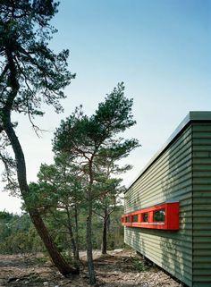 Adventurous Design Quest: Ygne Summer House by Sandell Sandberg